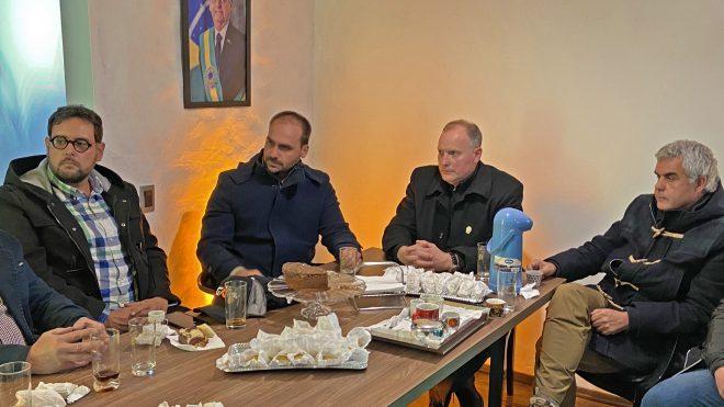 Deputados Bolsonaro e Irigaray recebem diretoria da FGCT
